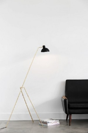 tripo floor lamp