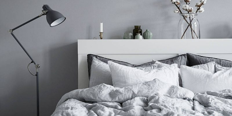 Modern Floor Lamps for Your Bedroom You Need to Get Right Now modern floor lamps Modern Floor Lamps for Your Bedroom You Need to Get Right Now stashem feat 800x400