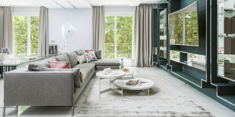 Paris Modern Home Brimming with Unique Lamps and Stunning Colors