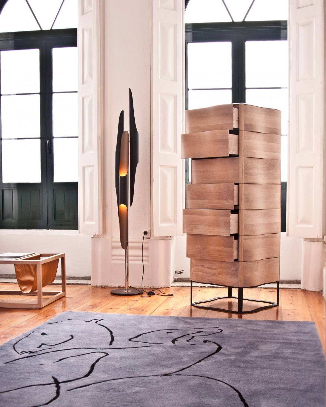The Best Minimalist Floor Lamps For Your Scandinavian Home minimalist floor lamps The Best Minimalist Floor Lamps For Your Scandinavian Home The Best Minimalist Floor Lamps For Your Scandinavian Home 8