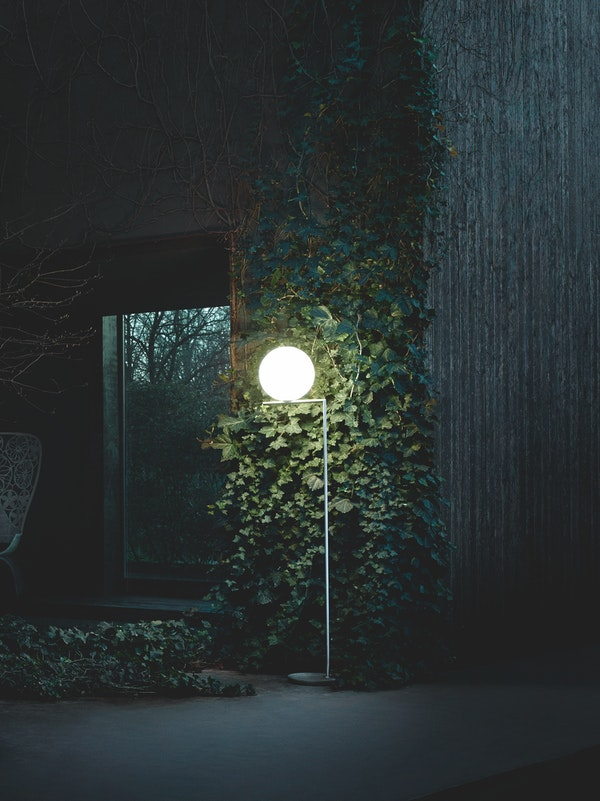 Discover The Ultimate Marquee Lamps That Will Enlighten Your Outdoors and Indoors! marquee lamps Discover The Ultimate Marquee Lamps That Will Enlighten Your Outdoors and Indoors! flos 2